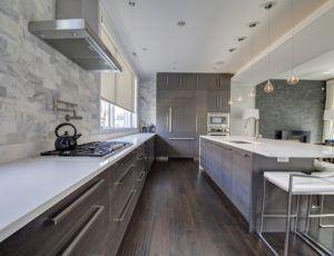 roller-solar-shades-in-kitchen